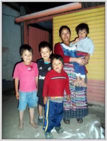 La famiglia di Oscar Gudiel